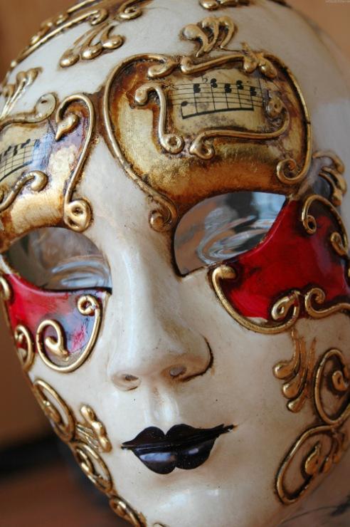 Как сделать венецианскую маска