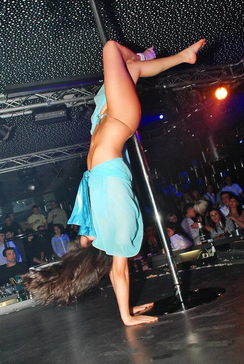 Masha russian teen spreads legs