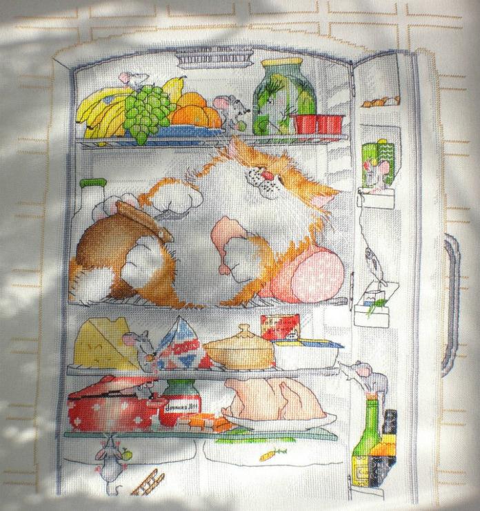 Вышивка холодильник