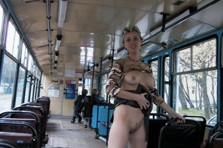 porno-video-v-tramvae